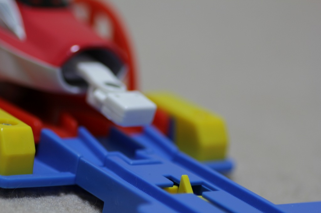自動ターンアウトレールの問題点-連結セットが使えない脱線の理由