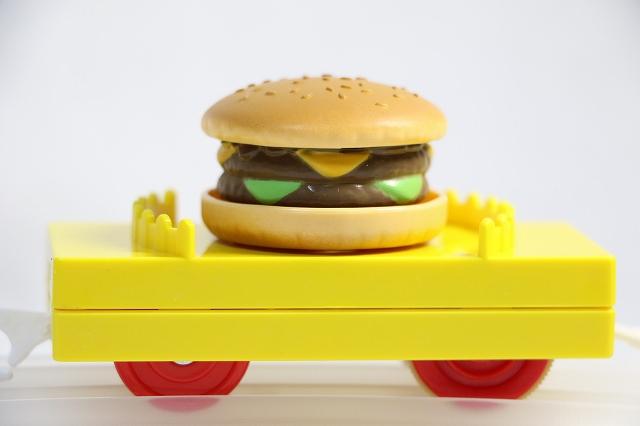 ハンバーガー貨車2015-今年もプラレールにハンバーガーがやってきた!